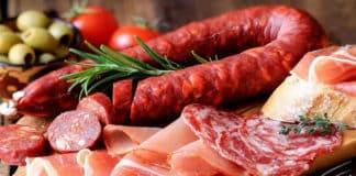 İşlenmiş Et Ürünleri Kalın Bağırsak Kanseri (Kolon Kanseri) Riskini Arttırıyor