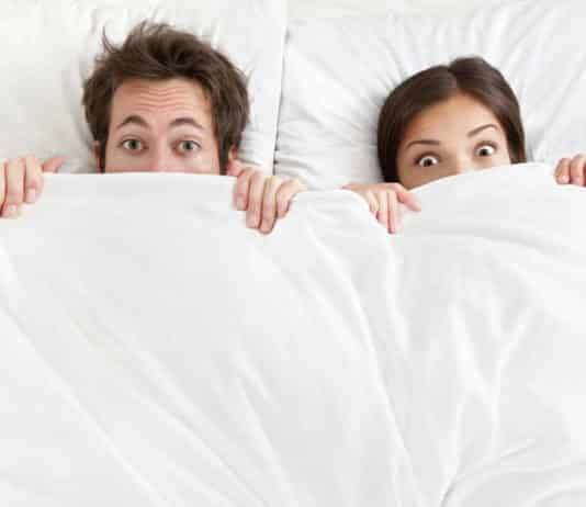 kegel egzersizi kadın ve erkek yatakta