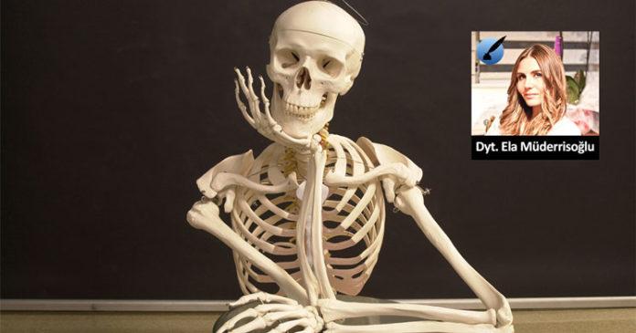 masada oturan insan iskeleti - Ela Müderrisoğlu yazdı
