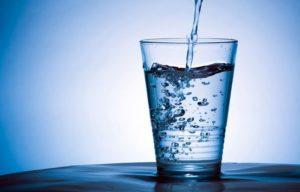 3 Günlük Su Orucu ve doldurulan su bardağı