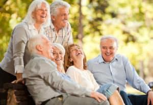 Yaşlı ve mutlu insanlar