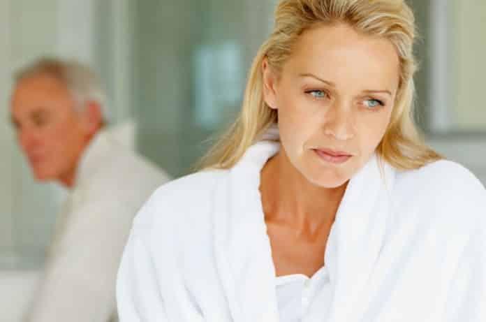 Menopoz Belirtileri Nelerdir? Menopoz Belirtilerini Hafifletmenin Yolları